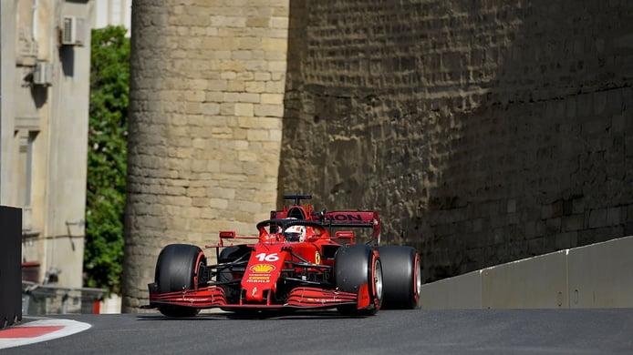 Leclerc culmina su segunda pole consecutiva en una caótica clasificación