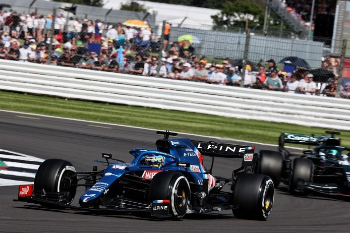 Alonso, 7º en Silverstone: «Vettel tenía demasiado ansia en las primeras curvas»