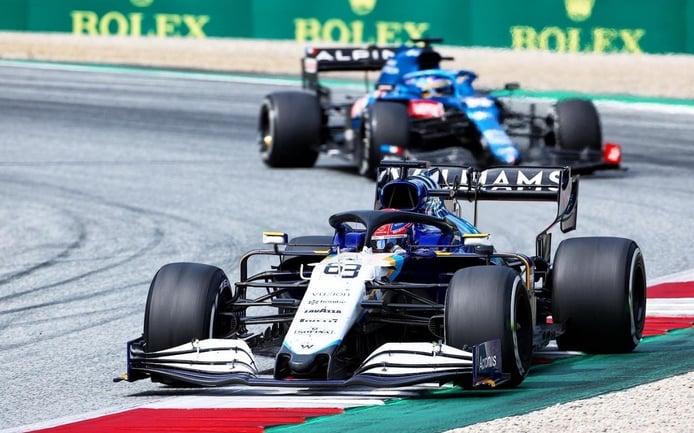 Alonso le negó a Russell su primer punto con Williams: «Me sentí un poco mal por él»