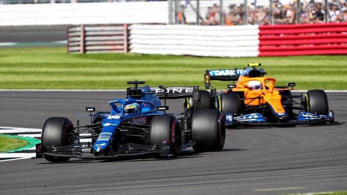 Alonso lo borda al sprint: «Me lo pasé bien en la primera vuelta»