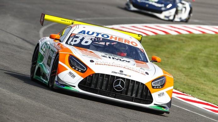Arjun Maini y Sheldon Van der Linde lideran los libres del DTM en Lausitzring