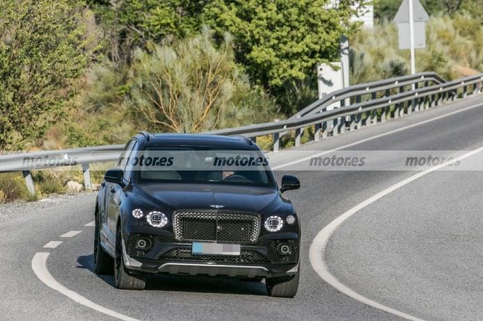 El nuevo Bentley Bentayga Largo 2022 traslada sus pruebas a climas más cálidos