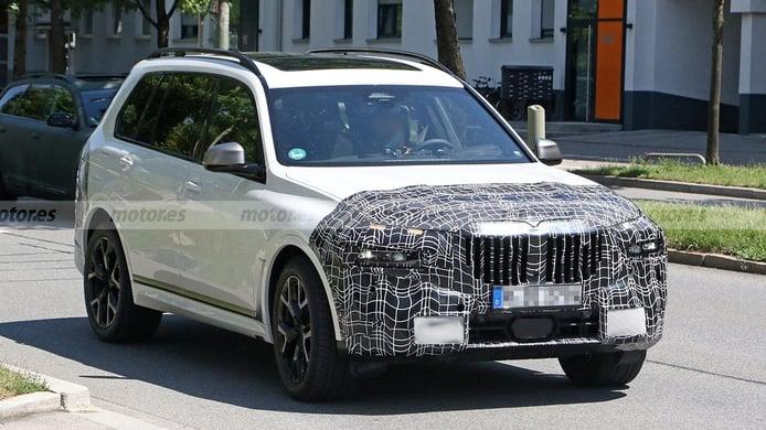 Los faros delanteros del BMW X7 sufrirán un cambio radical