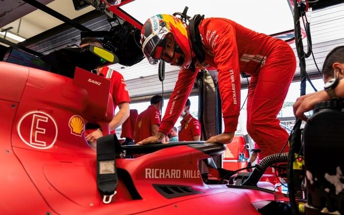 Ferrari cambia el motor de Sainz, que se acerca a la sanción