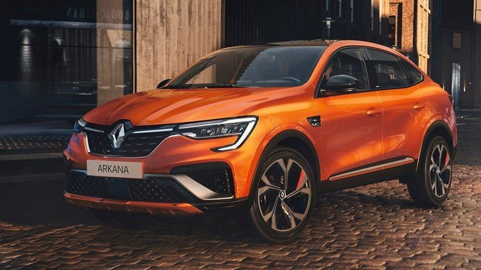 Francia -  Junio 2021: Renault aprieta a Peugeot por todos los frentes