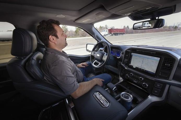 General Motors demanda a Ford en EEUU por el asistente BlueCruise