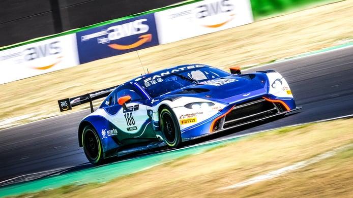 Jonny Adam logra por sorpresa la segunda pole de Misano con el Aston Martin #188