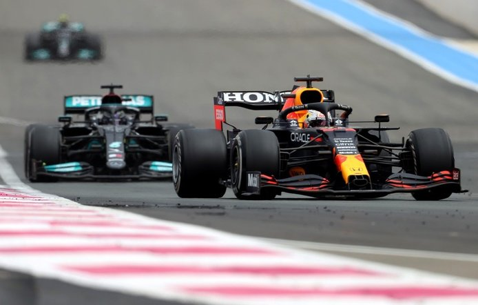 Mercedes quiere hacer las paces con Red Bull «por el bien de la Fórmula 1»