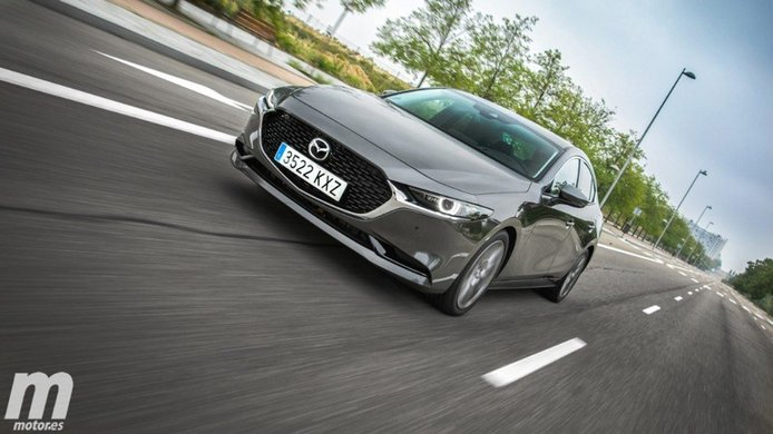 México - Junio 2021: El Mazda3 mejora y regresa al Top 10