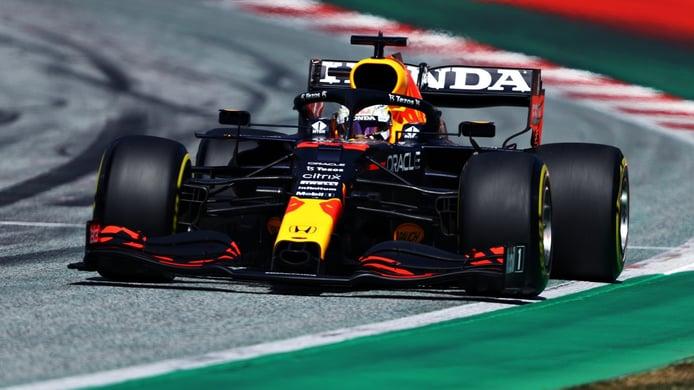 Verstappen logra la pole por milésimas sobre Norris, con Alonso hecho una furia contra Vettel