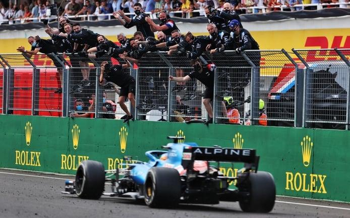 Alain Prost: «Teníamos miedo, pero Alonso hace lo que haga falta por el equipo»