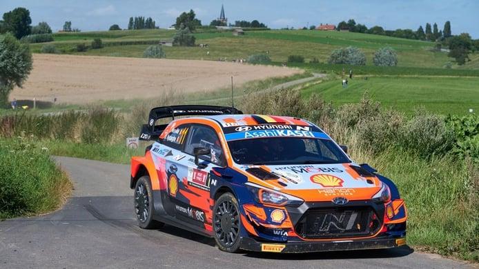 Calma tensa en el Ypres Rally con Thierry Neuville aferrado al liderato