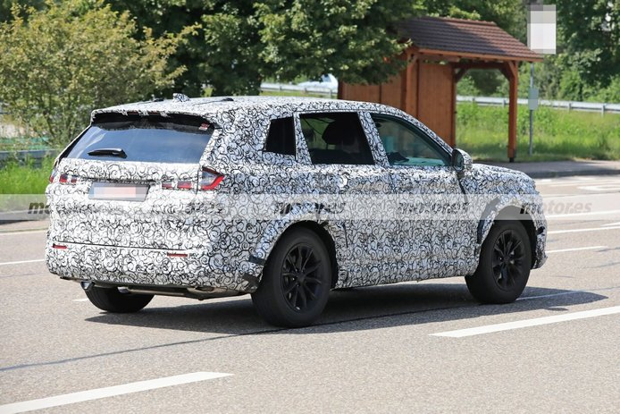 Foto espía Honda CR-V e: HEV 2023 - exterior