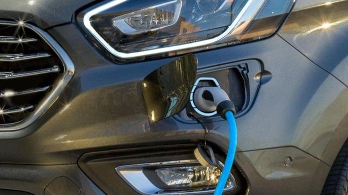 Italia fulmina las ayudas para comprar coches eléctricos e híbridos enchufables