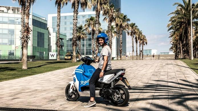 Las motos eléctricas de Cityscoot se integran con la app de Uber en Barcelona