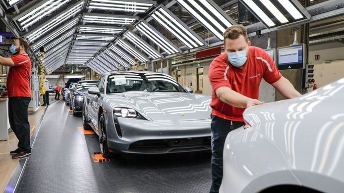 Porsche evitará los retrasos de producción con microchips falsos