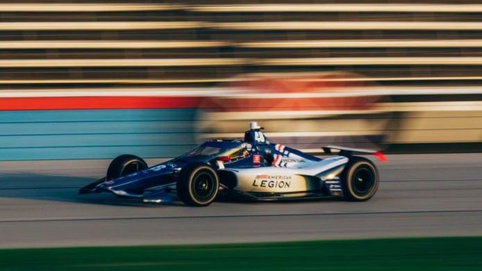 Primer test en óvalo para Jimmie Johnson, «el primer paso hacia la Indy 500»