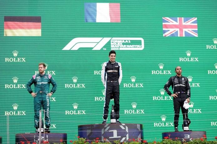 Vettel, descalificado; ¡podio de Carlos Sainz!