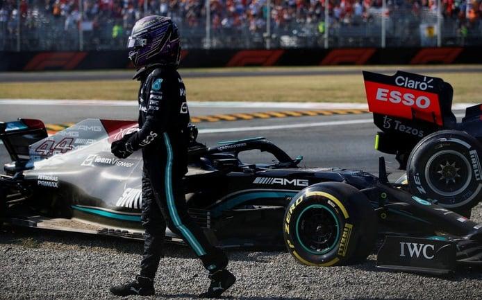 Más acusaciones entre Mercedes y Red Bull; Hamilton, retratado