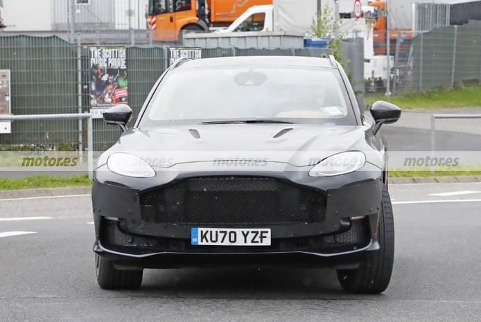 Foto espía Aston Martin DBX 2023 - exterior