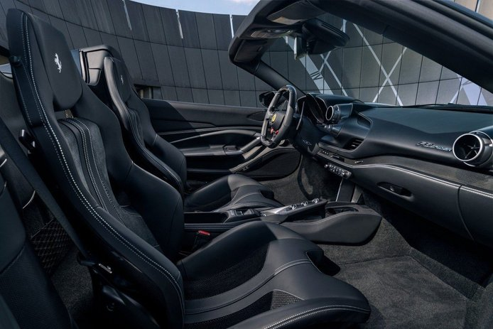 Foto Novitec Ferrari F8 Spider - interior