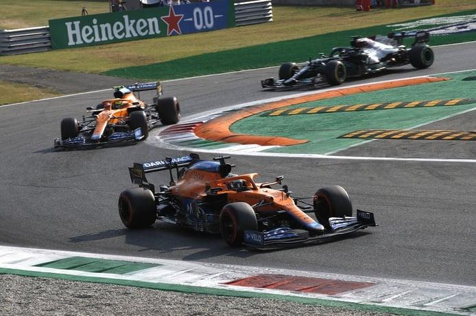Ricciardo da a McLaren su primera victoria desde 2012; Sainz y Alonso, en el Top 10