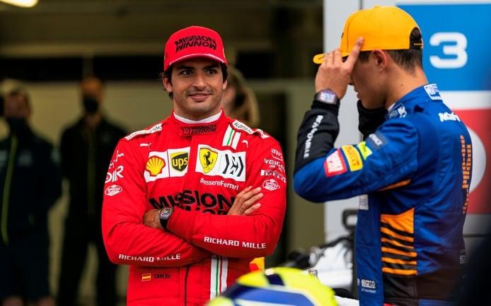 Sainz tiene un plan para ganar: «Llegarán por detrás y ahí comenzará la diversión»