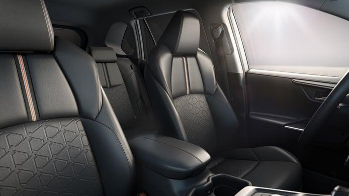 Toyota RAV4 Adventure - asientos