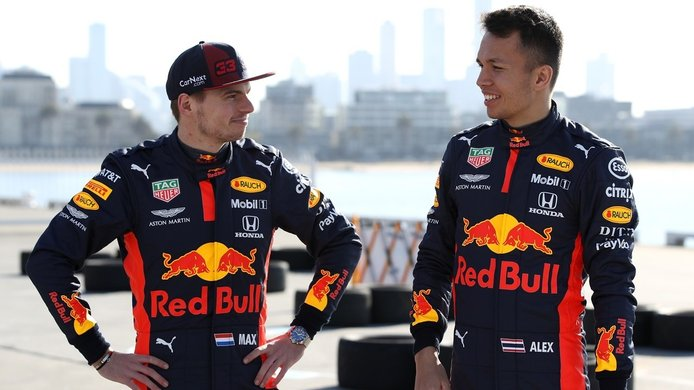 Verstappen aprueba la vuelta de Albon: «Tiene mucho talento, se lo merece»