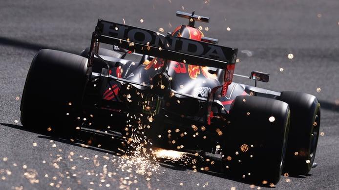 Verstappen, el más rápido de unos terceros libres marcados por un accidente de Carlos Sainz