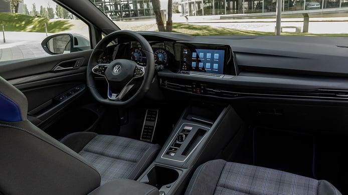 Volkswagen Golf GTE 2021 - interior