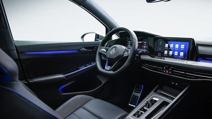 Volkswagen Golf R 2021 - interior