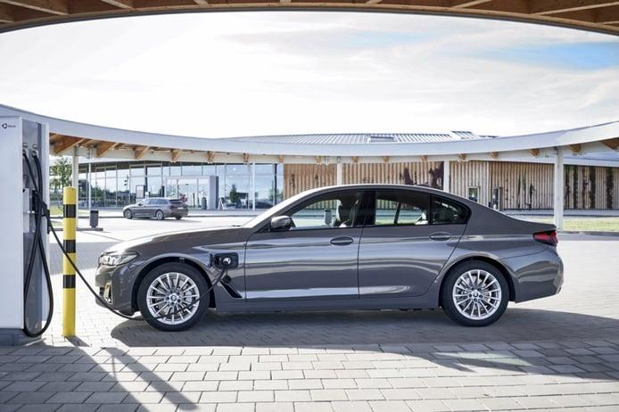 Foto BMW Serie 5 520e - exterior