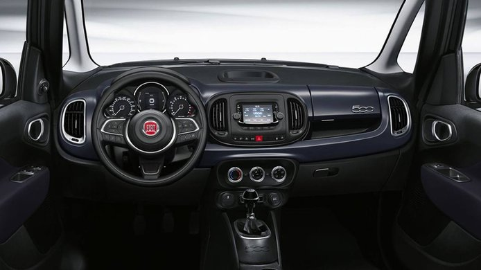 FIAT 500L 2021 - interior