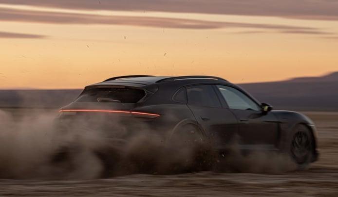 Foto Porsche Taycan Cross Turismo - prototipo