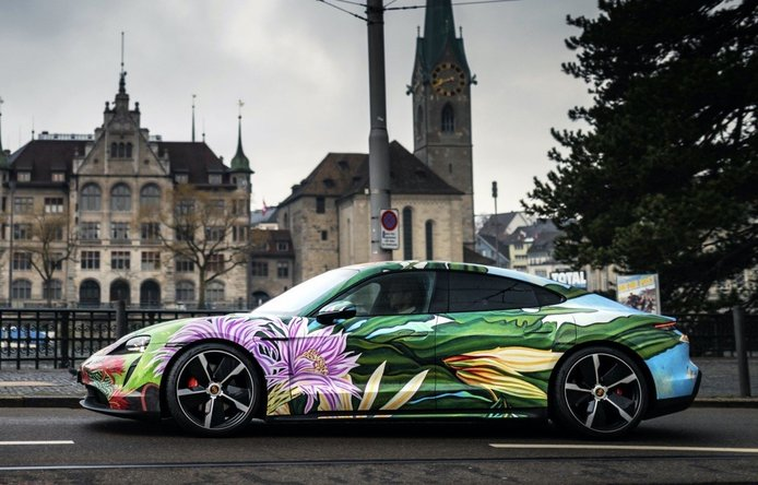 Foto Porsche Taycan Artcar - exterior