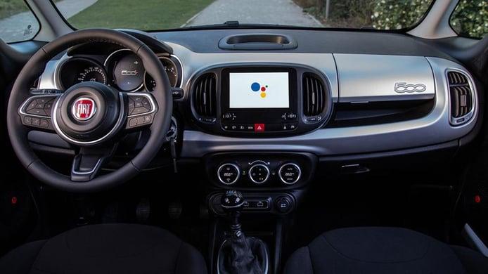 FIAT 500L Hey Google - interior