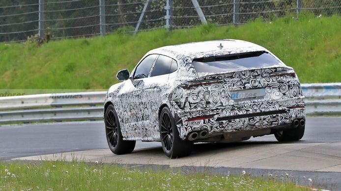 Lamborghini Urus EVO 2022 - foto espía posterior