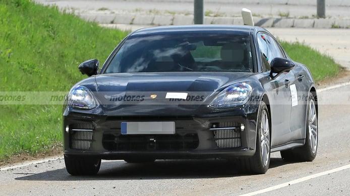 Porsche Panamera 2022 - foto espía