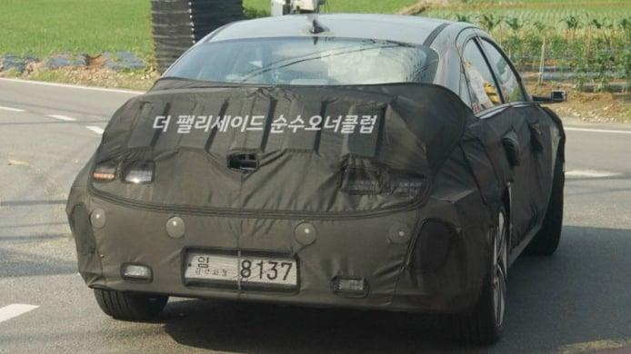 Hyundai IONIQ 6 - foto espía posterior