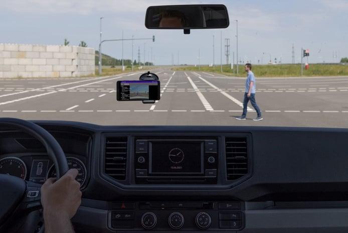 Recreación sistema de alertas de peligros en tiempo real de Porsche