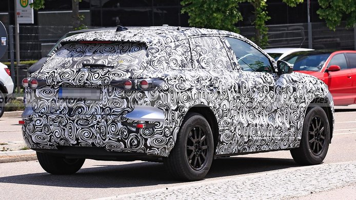 Audi Q6 e-tron - foto espía posterior