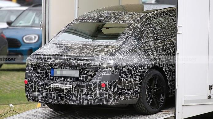 BMW i5 - foto espía posterior