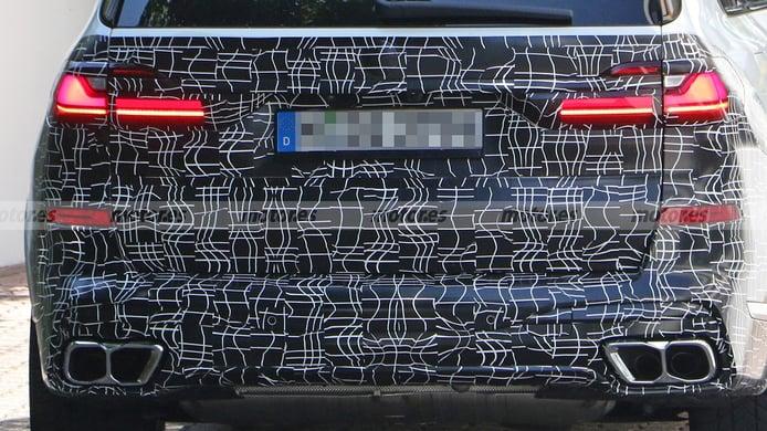 BMW X7 2022 - foto espía posterior