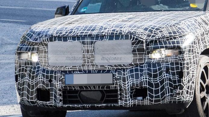 BMW X8 - foto espía frontal