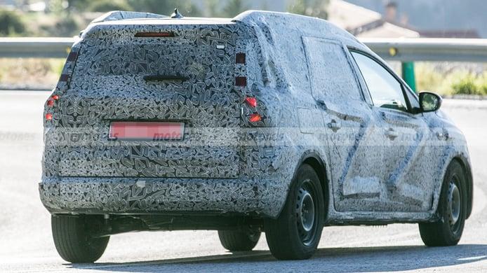 Dacia crossover 7 plazas - foto espía posterior