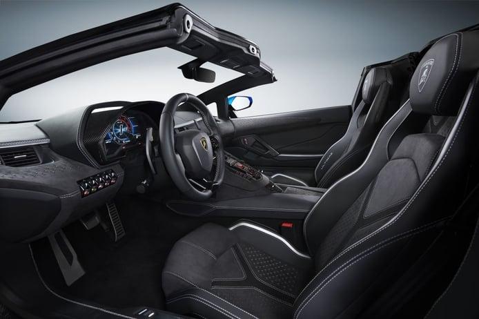 Foto Lamborghini Aventador LP 780-4 Ultimae Roadster - interior