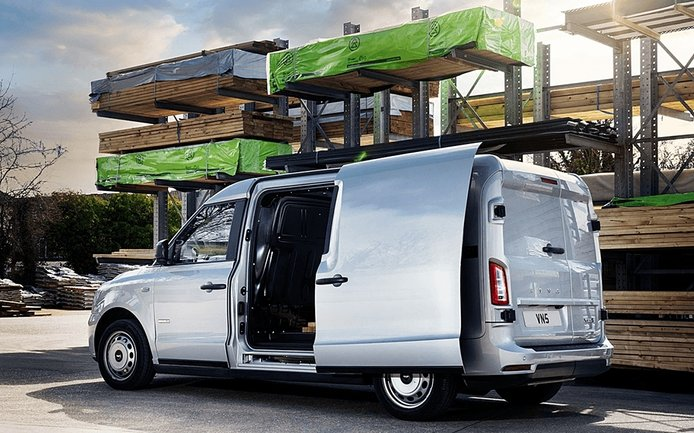 LEVC VN5: an electric van always ready for the job