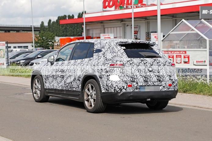 Foto espía Mercedes EQS SUV 2022 - exterior