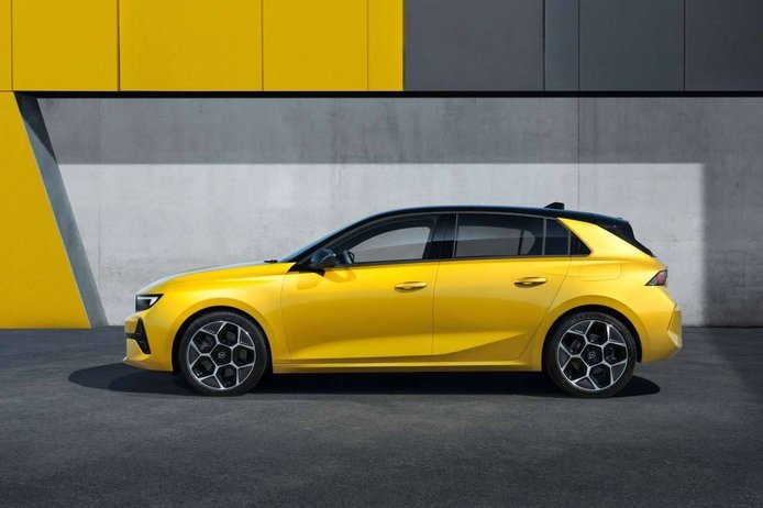Opel Astra 2022 - exterior